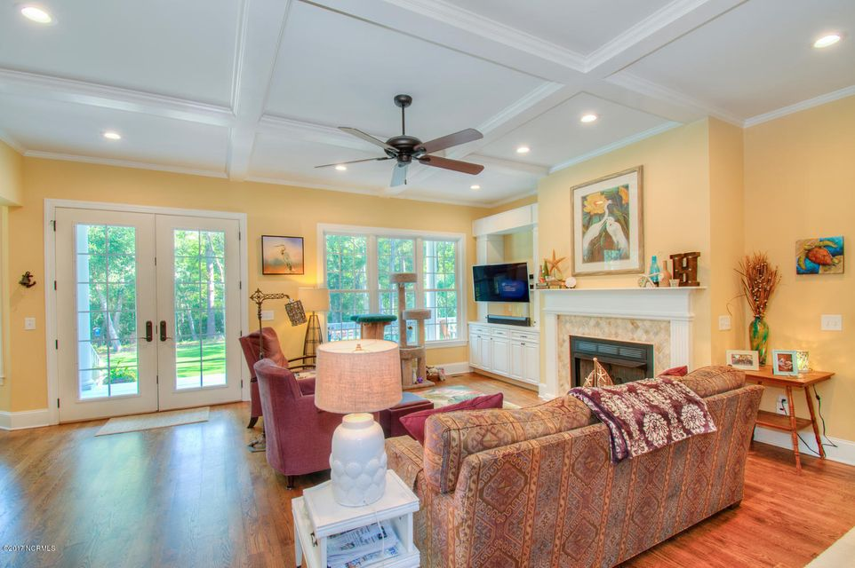 Harbor Oaks Real Estate - http://cdn.resize.sparkplatform.com/ncr/1024x768/true/20170817185034355785000000-o.jpg