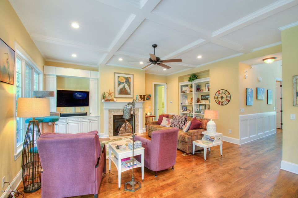 Harbor Oaks Real Estate - http://cdn.resize.sparkplatform.com/ncr/1024x768/true/20170817185035661583000000-o.jpg