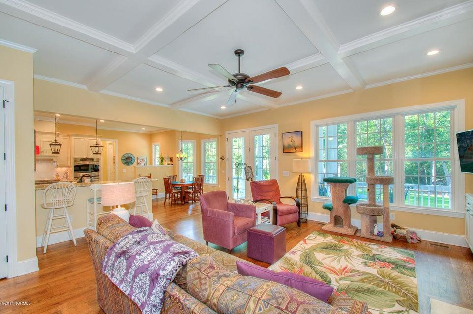 Harbor Oaks Real Estate - http://cdn.resize.sparkplatform.com/ncr/1024x768/true/20170817185037925562000000-o.jpg
