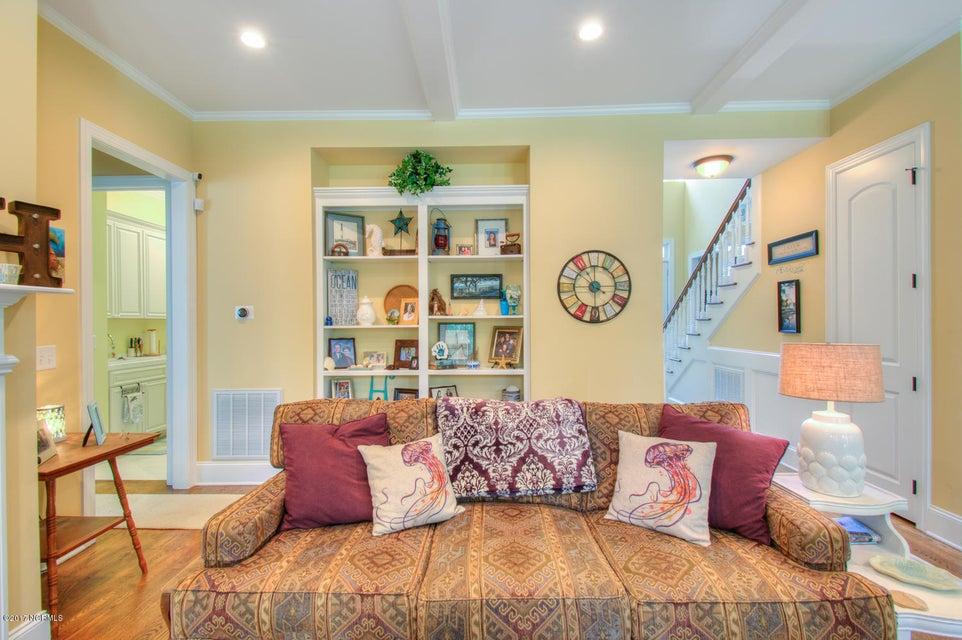 Harbor Oaks Real Estate - http://cdn.resize.sparkplatform.com/ncr/1024x768/true/20170817185039314581000000-o.jpg