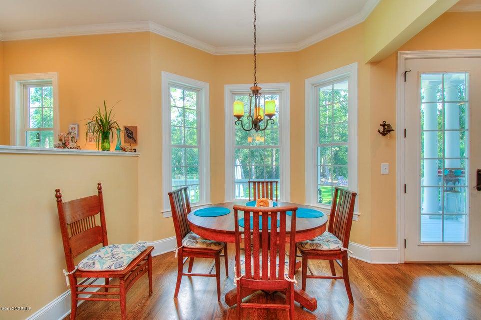Harbor Oaks Real Estate - http://cdn.resize.sparkplatform.com/ncr/1024x768/true/20170817185041399181000000-o.jpg