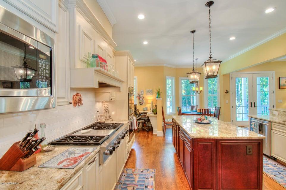 Harbor Oaks Real Estate - http://cdn.resize.sparkplatform.com/ncr/1024x768/true/20170817185046290152000000-o.jpg