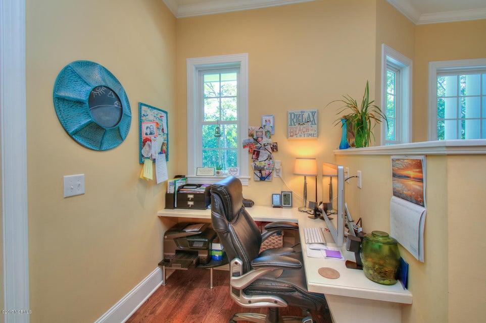 Harbor Oaks Real Estate - http://cdn.resize.sparkplatform.com/ncr/1024x768/true/20170817185047951502000000-o.jpg