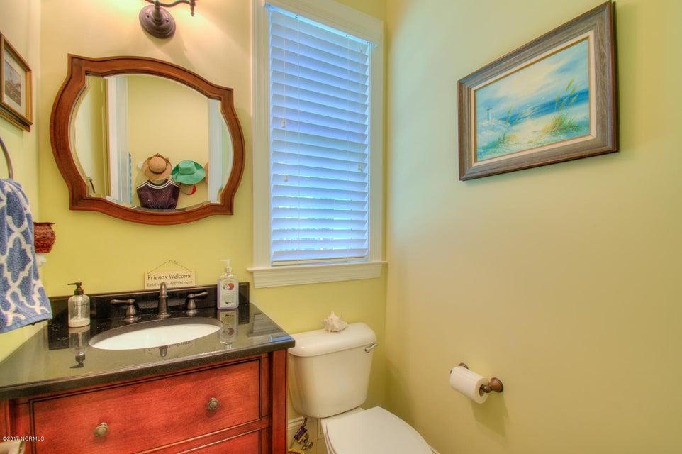 Harbor Oaks Real Estate - http://cdn.resize.sparkplatform.com/ncr/1024x768/true/20170817185049320630000000-o.jpg