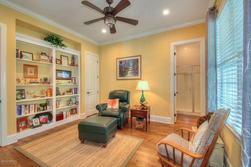 Harbor Oaks Real Estate - http://cdn.resize.sparkplatform.com/ncr/1024x768/true/20170817185052927467000000-o.jpg