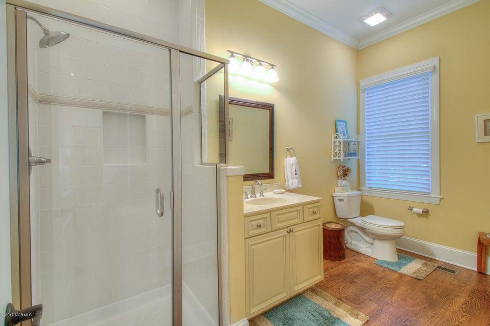 Harbor Oaks Real Estate - http://cdn.resize.sparkplatform.com/ncr/1024x768/true/20170817185054491412000000-o.jpg
