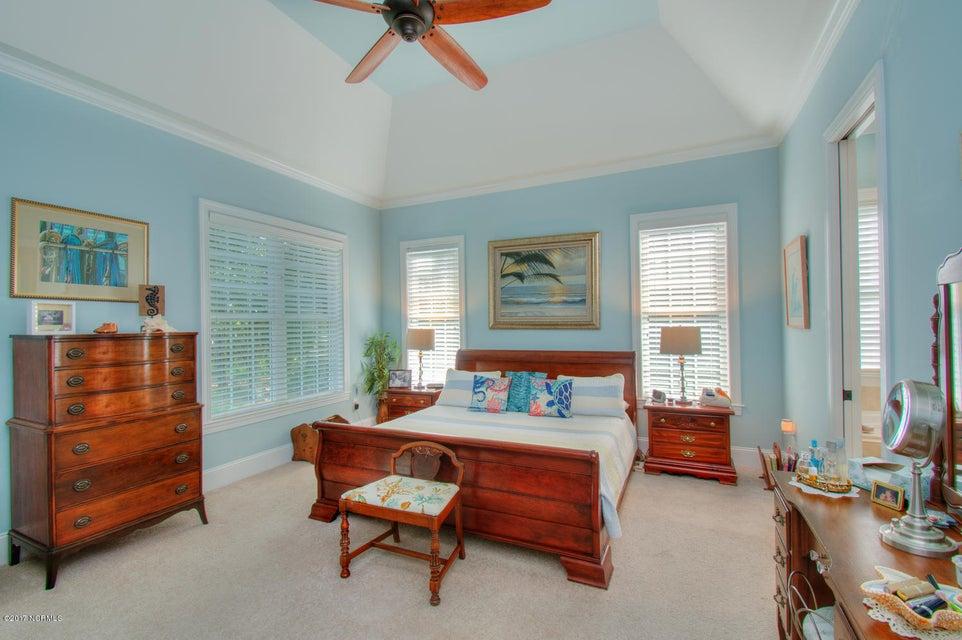 Harbor Oaks Real Estate - http://cdn.resize.sparkplatform.com/ncr/1024x768/true/20170817185056449683000000-o.jpg