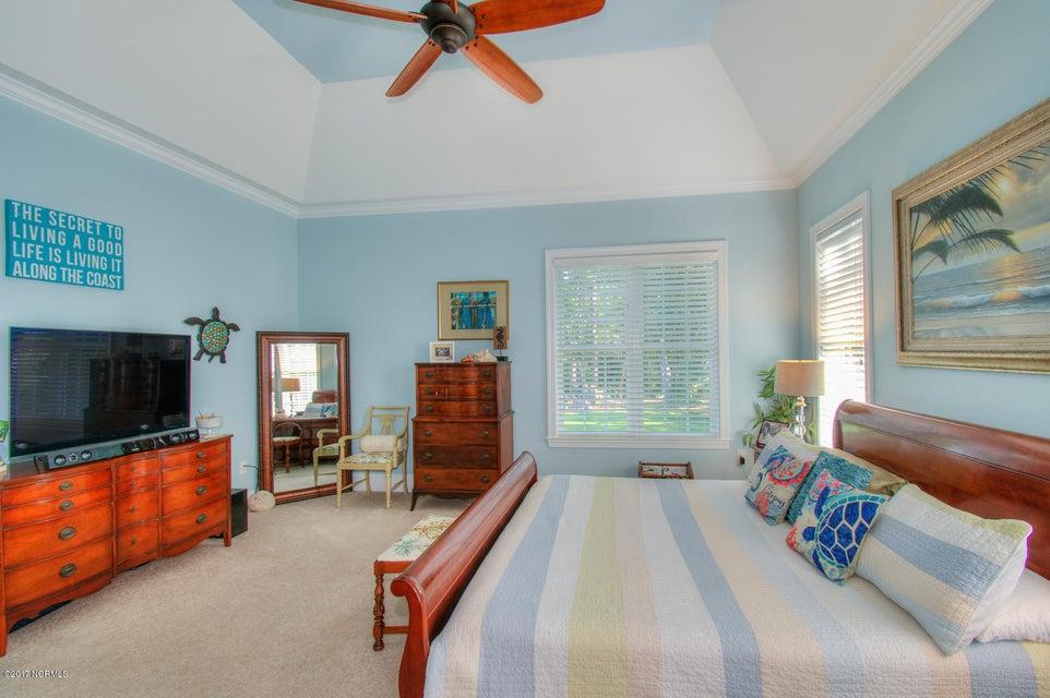 Harbor Oaks Real Estate - http://cdn.resize.sparkplatform.com/ncr/1024x768/true/20170817185059449034000000-o.jpg