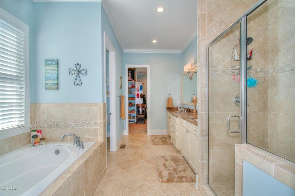 Harbor Oaks Real Estate - http://cdn.resize.sparkplatform.com/ncr/1024x768/true/20170817185100907592000000-o.jpg