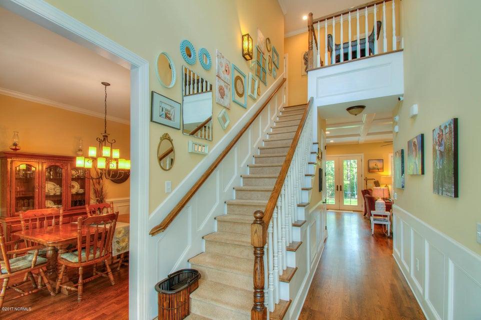 Harbor Oaks Real Estate - http://cdn.resize.sparkplatform.com/ncr/1024x768/true/20170817185109563604000000-o.jpg