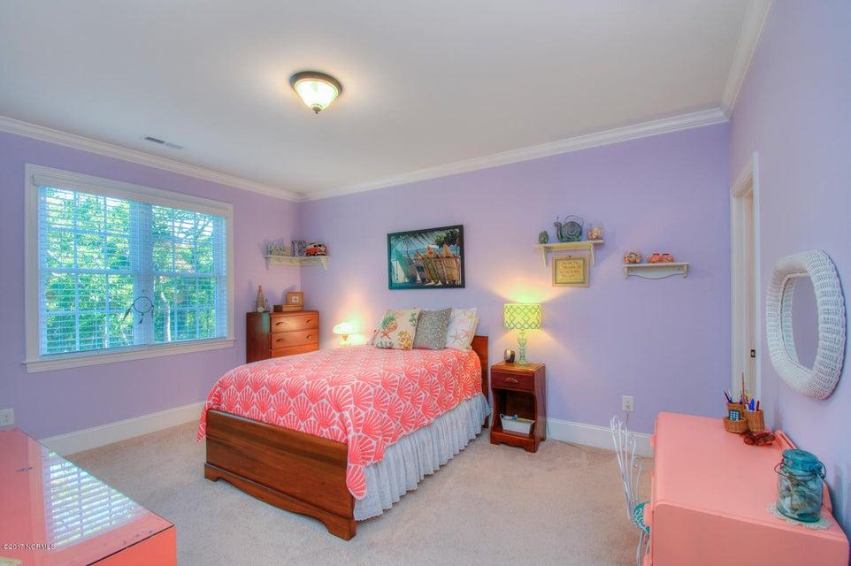 Harbor Oaks Real Estate - http://cdn.resize.sparkplatform.com/ncr/1024x768/true/20170817185112417878000000-o.jpg
