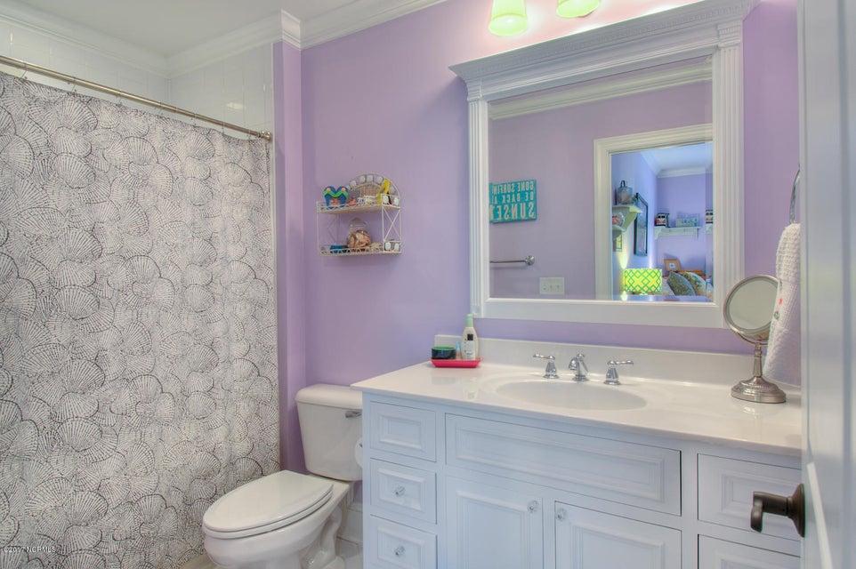 Harbor Oaks Real Estate - http://cdn.resize.sparkplatform.com/ncr/1024x768/true/20170817185115128348000000-o.jpg