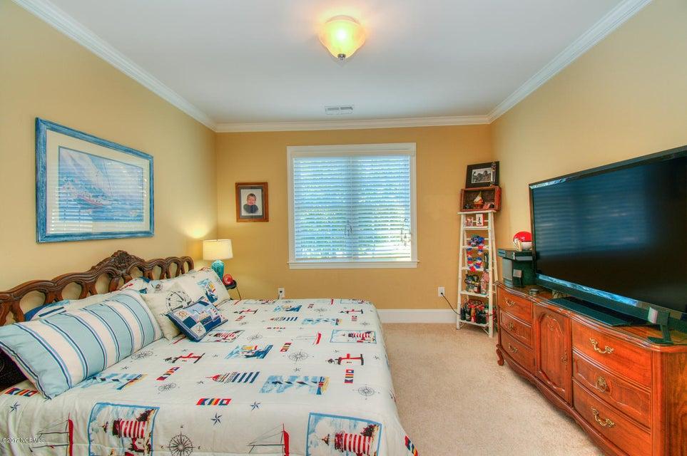 Harbor Oaks Real Estate - http://cdn.resize.sparkplatform.com/ncr/1024x768/true/20170817185119977688000000-o.jpg