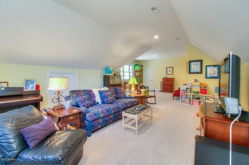 Harbor Oaks Real Estate - http://cdn.resize.sparkplatform.com/ncr/1024x768/true/20170817185126720769000000-o.jpg
