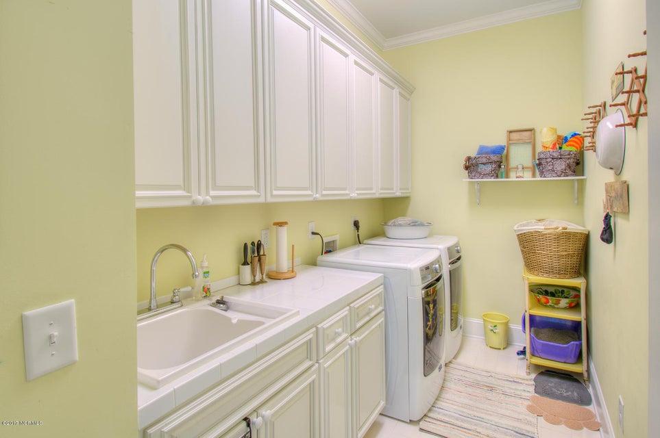 Harbor Oaks Real Estate - http://cdn.resize.sparkplatform.com/ncr/1024x768/true/20170817185128924275000000-o.jpg