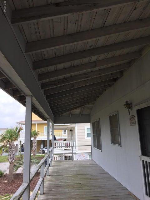 Colonial Beach Real Estate - http://cdn.resize.sparkplatform.com/ncr/1024x768/true/20170820143204698276000000-o.jpg