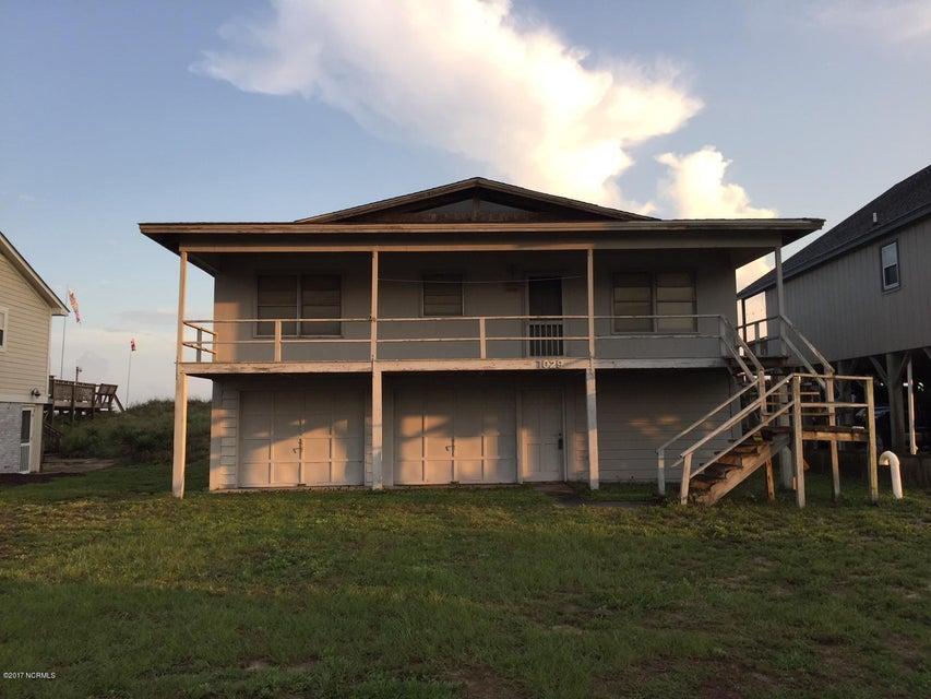 Colonial Beach Real Estate - http://cdn.resize.sparkplatform.com/ncr/1024x768/true/20170820143840976567000000-o.jpg