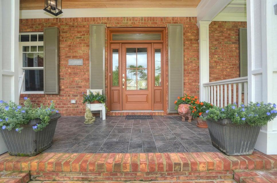 St James Real Estate - http://cdn.resize.sparkplatform.com/ncr/1024x768/true/20170820162139123054000000-o.jpg