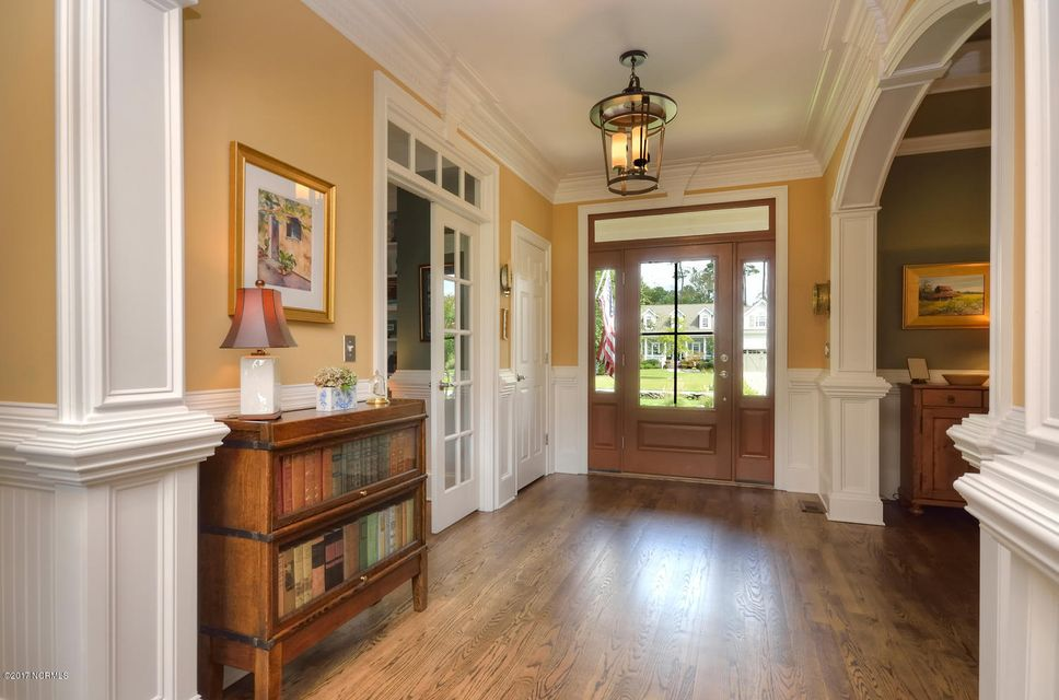 St James Real Estate - http://cdn.resize.sparkplatform.com/ncr/1024x768/true/20170820162140395081000000-o.jpg