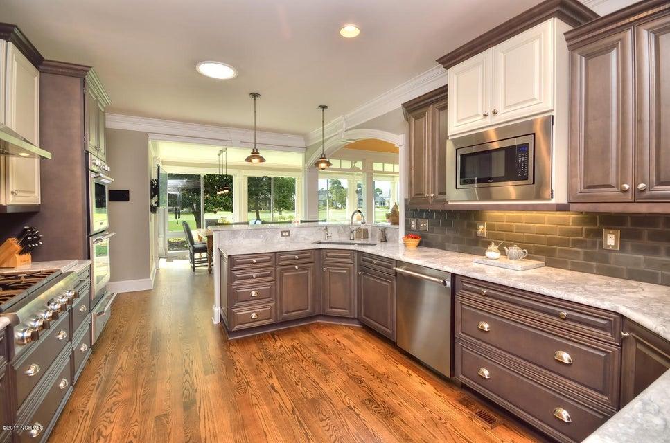 St James Real Estate - http://cdn.resize.sparkplatform.com/ncr/1024x768/true/20170820162219760838000000-o.jpg