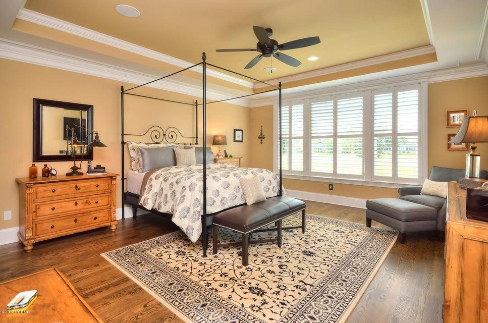 St James Real Estate - http://cdn.resize.sparkplatform.com/ncr/1024x768/true/20170820162221739318000000-o.jpg