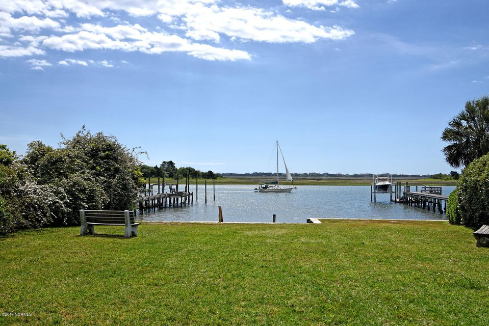 Porters Neck Plantation Real Estate - http://cdn.resize.sparkplatform.com/ncr/1024x768/true/20170823203730196070000000-o.jpg