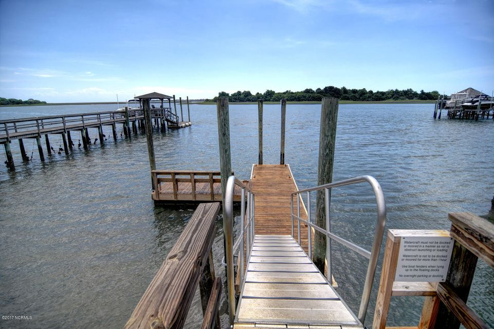 Porters Neck Plantation Real Estate - http://cdn.resize.sparkplatform.com/ncr/1024x768/true/20170823203751939278000000-o.jpg