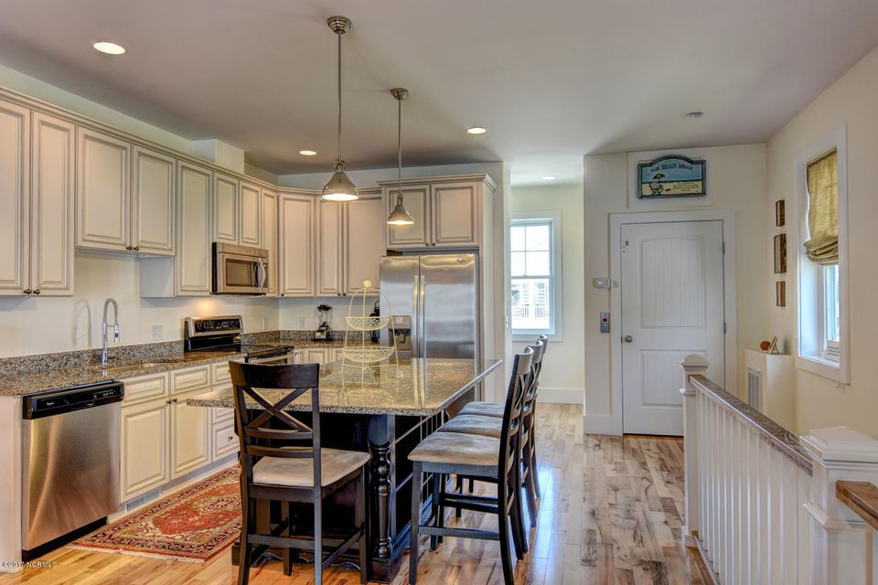 Wilmington Beach Real Estate - http://cdn.resize.sparkplatform.com/ncr/1024x768/true/20170824145951567732000000-o.jpg
