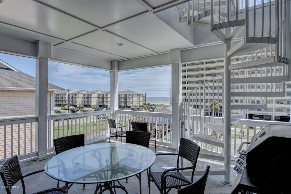 Wilmington Beach Real Estate - http://cdn.resize.sparkplatform.com/ncr/1024x768/true/20170824150004472382000000-o.jpg
