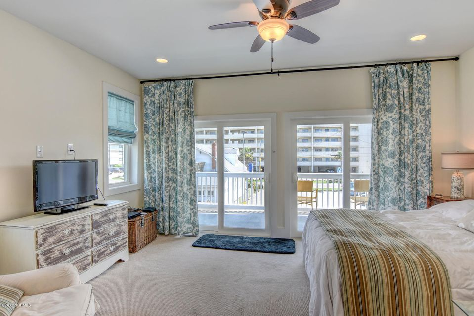 Wilmington Beach Real Estate - http://cdn.resize.sparkplatform.com/ncr/1024x768/true/20170824150017419183000000-o.jpg