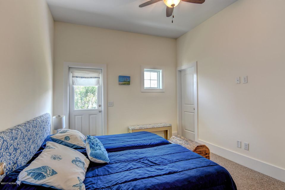 Wilmington Beach Real Estate - http://cdn.resize.sparkplatform.com/ncr/1024x768/true/20170824150027313094000000-o.jpg