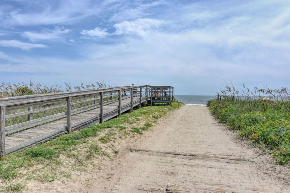 Wilmington Beach Real Estate - http://cdn.resize.sparkplatform.com/ncr/1024x768/true/20170824150041577674000000-o.jpg
