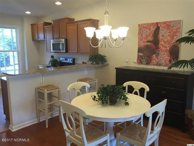 Beacon Townes Real Estate - http://cdn.resize.sparkplatform.com/ncr/1024x768/true/20170824150638521860000000-o.jpg