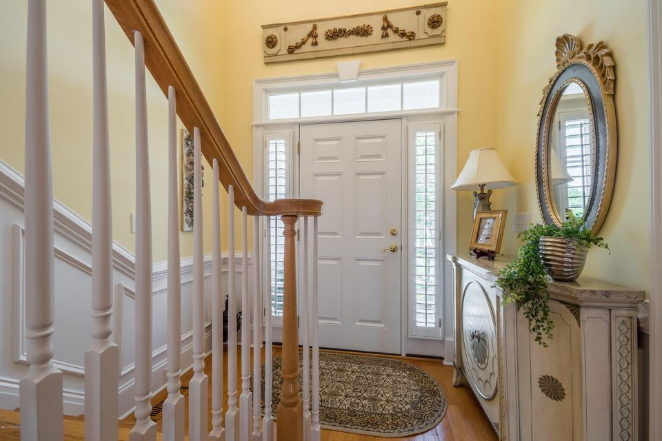 St James Real Estate - http://cdn.resize.sparkplatform.com/ncr/1024x768/true/20170824184209655306000000-o.jpg