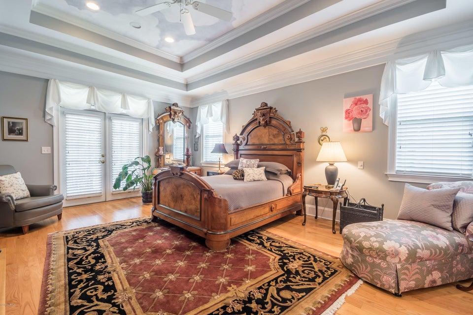 St James Real Estate - http://cdn.resize.sparkplatform.com/ncr/1024x768/true/20170824184250190004000000-o.jpg