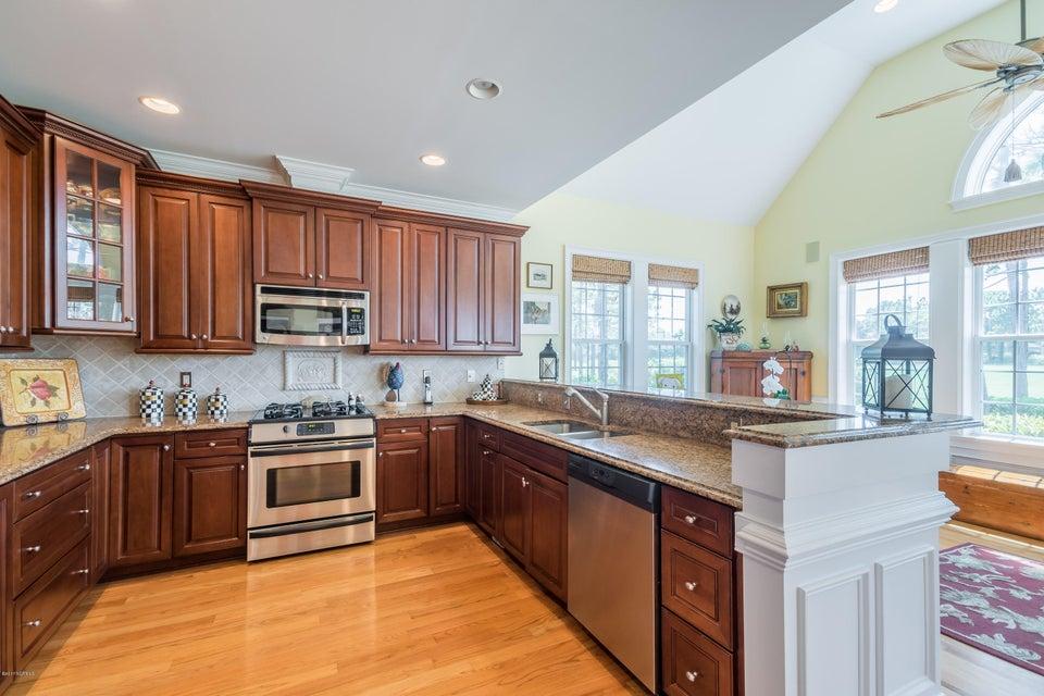 St James Real Estate - http://cdn.resize.sparkplatform.com/ncr/1024x768/true/20170824184341403777000000-o.jpg