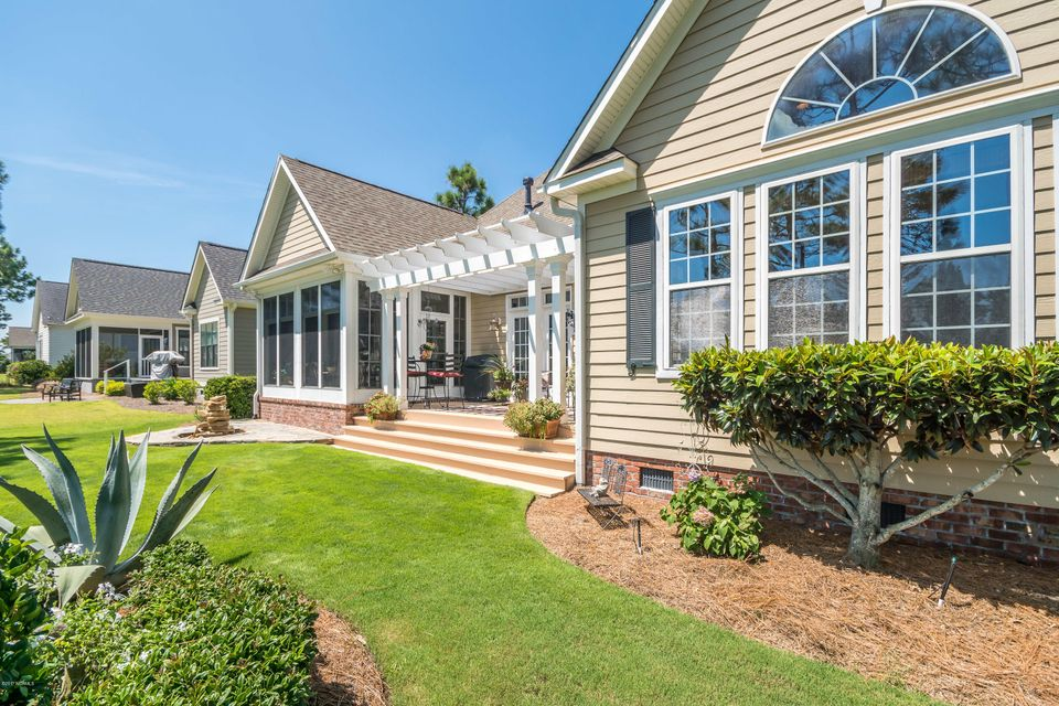 St James Real Estate - http://cdn.resize.sparkplatform.com/ncr/1024x768/true/20170824184357672069000000-o.jpg