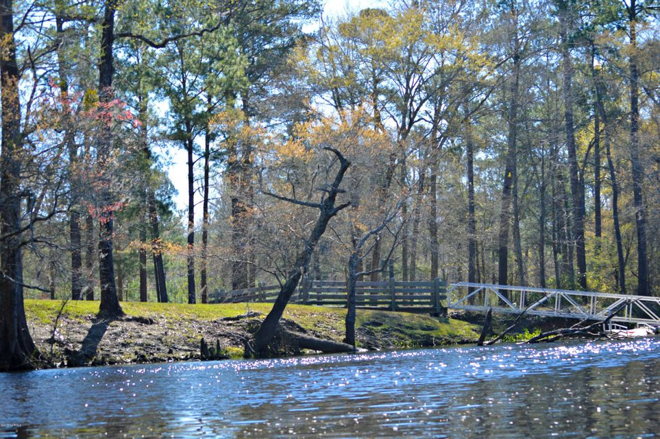Brunswick Forest Real Estate - http://cdn.resize.sparkplatform.com/ncr/1024x768/true/20170828152128839886000000-o.jpg