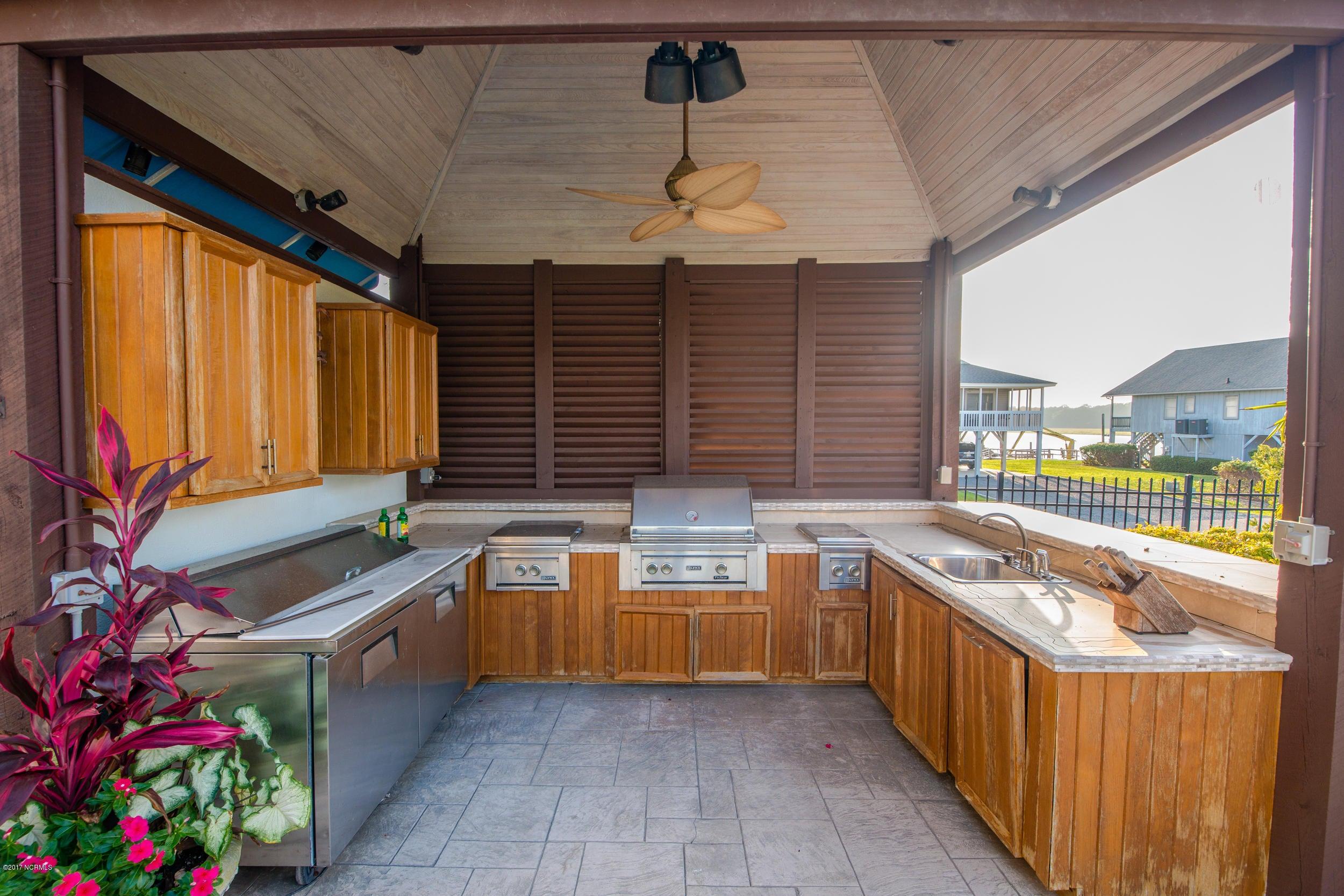 Ocean Isle Beach Real Estate - http://cdn.resize.sparkplatform.com/ncr/1024x768/true/20170829152148986753000000-o.jpg