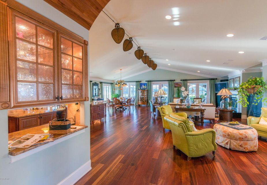 Ocean Isle Beach Real Estate - http://cdn.resize.sparkplatform.com/ncr/1024x768/true/20170829152347007182000000-o.jpg