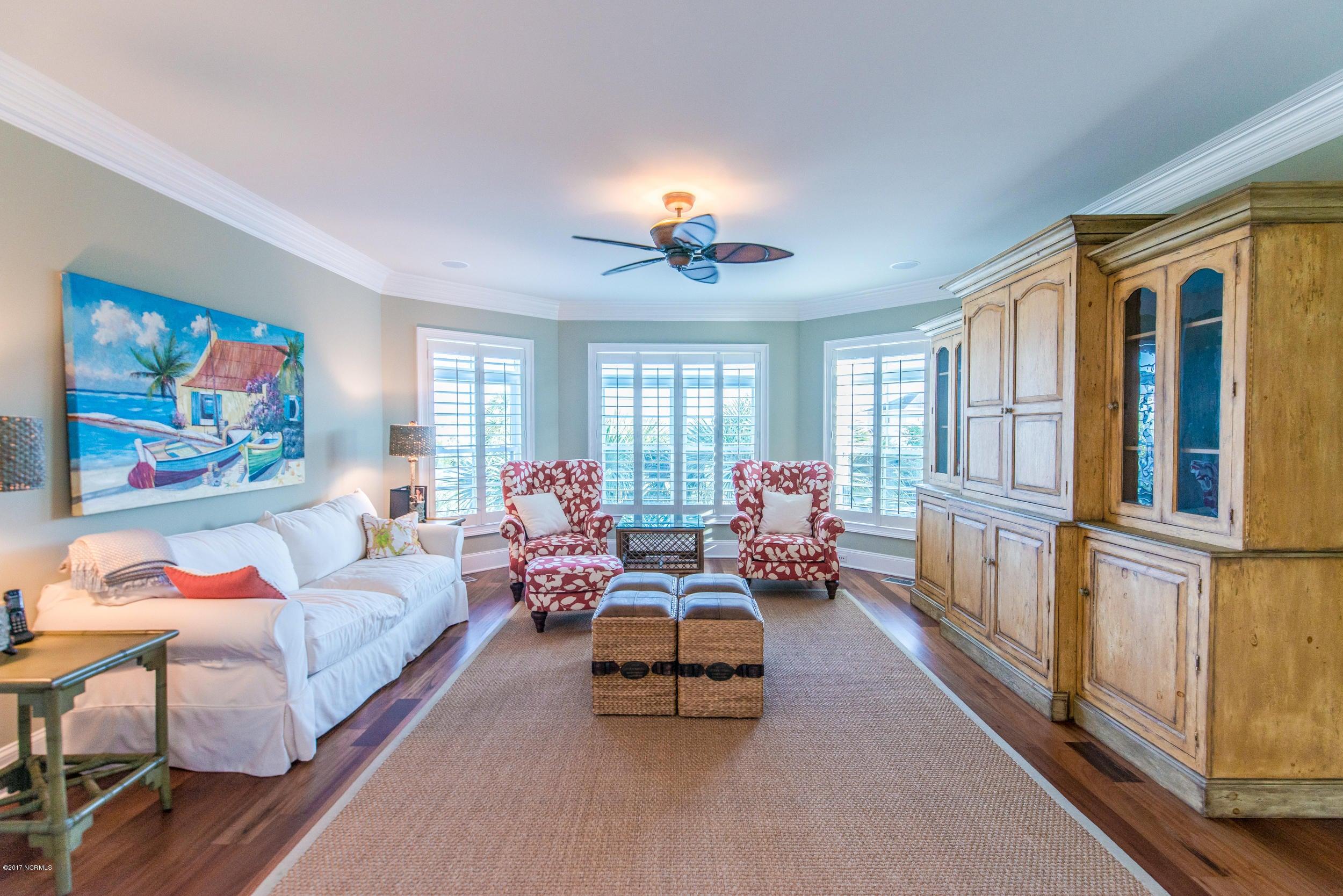 Ocean Isle Beach Real Estate - http://cdn.resize.sparkplatform.com/ncr/1024x768/true/20170829153329241107000000-o.jpg