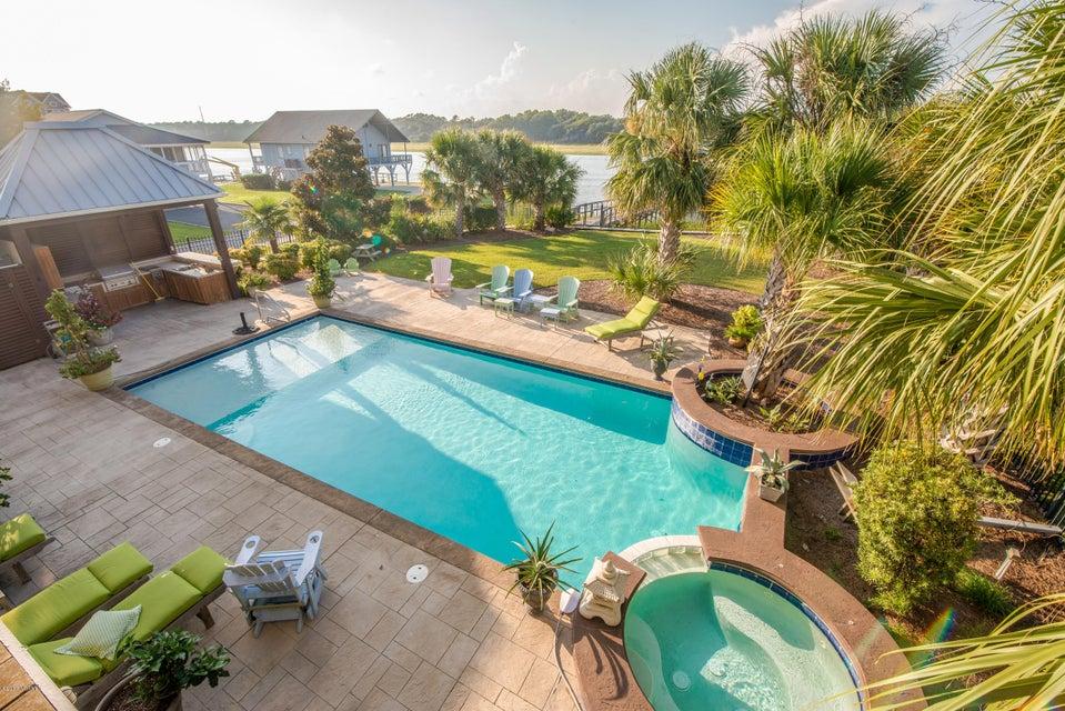 Ocean Isle Beach Real Estate - http://cdn.resize.sparkplatform.com/ncr/1024x768/true/20170829153350529286000000-o.jpg