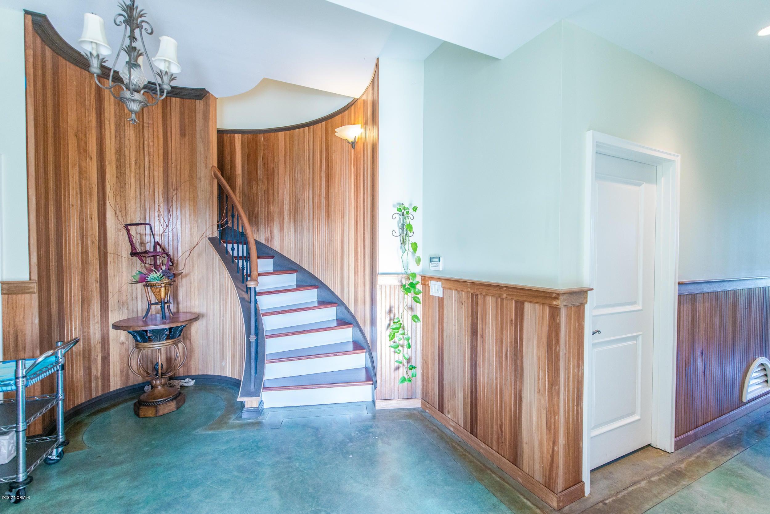 Ocean Isle Beach Real Estate - http://cdn.resize.sparkplatform.com/ncr/1024x768/true/20170829153356516667000000-o.jpg