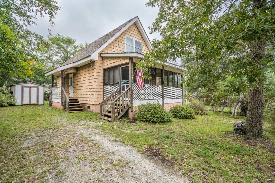 121 NE 27TH Street Oak Island, NC 28465