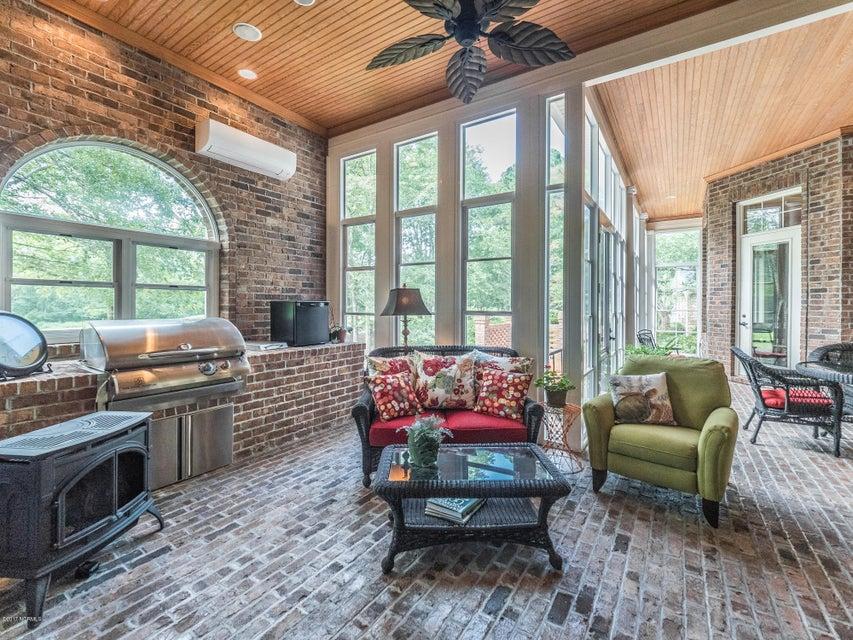 Ocean Ridge Real Estate - http://cdn.resize.sparkplatform.com/ncr/1024x768/true/20170831161521367084000000-o.jpg