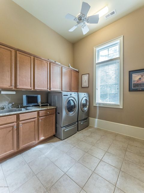 Ocean Ridge Real Estate - http://cdn.resize.sparkplatform.com/ncr/1024x768/true/20170831161723478359000000-o.jpg