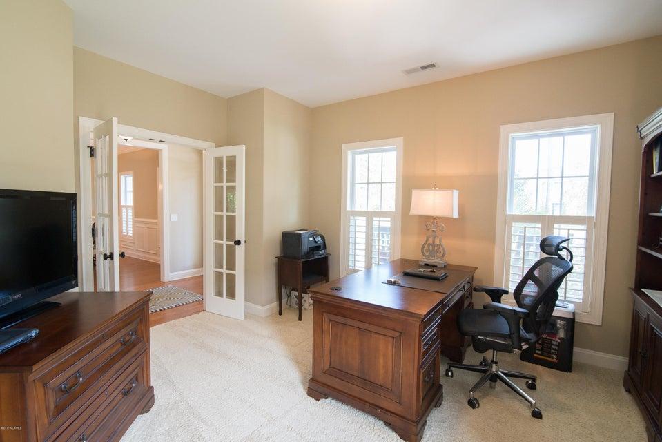 St James Real Estate - http://cdn.resize.sparkplatform.com/ncr/1024x768/true/20170902150903676413000000-o.jpg