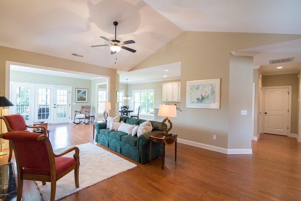 St James Real Estate - http://cdn.resize.sparkplatform.com/ncr/1024x768/true/20170902150933784506000000-o.jpg