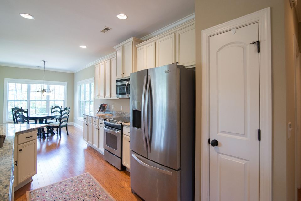 St James Real Estate - http://cdn.resize.sparkplatform.com/ncr/1024x768/true/20170902151111340317000000-o.jpg