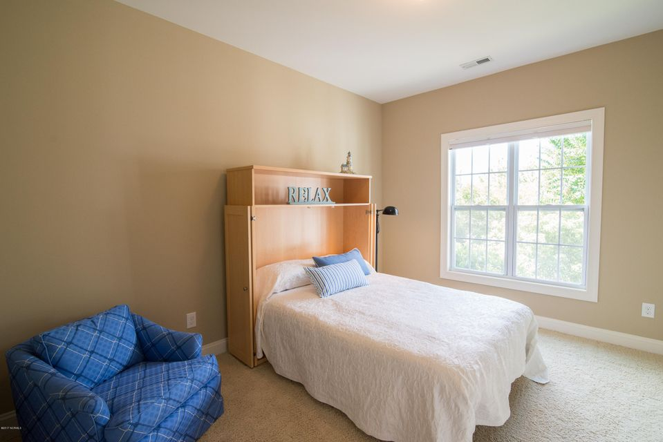 St James Real Estate - http://cdn.resize.sparkplatform.com/ncr/1024x768/true/20170902151210616535000000-o.jpg